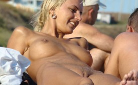 53-Blond-cutie-shows-her-cameltoe.jpg