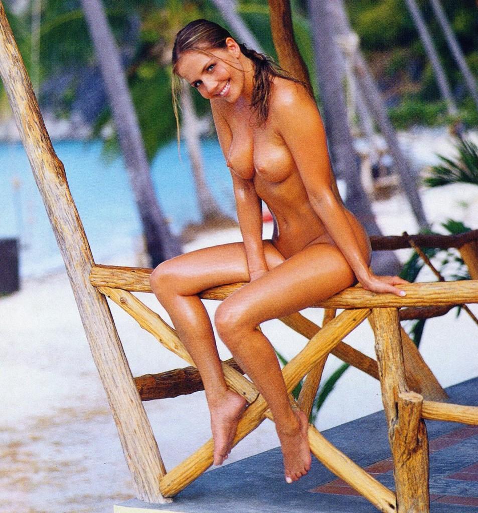 Sexy cutie nude on the beach