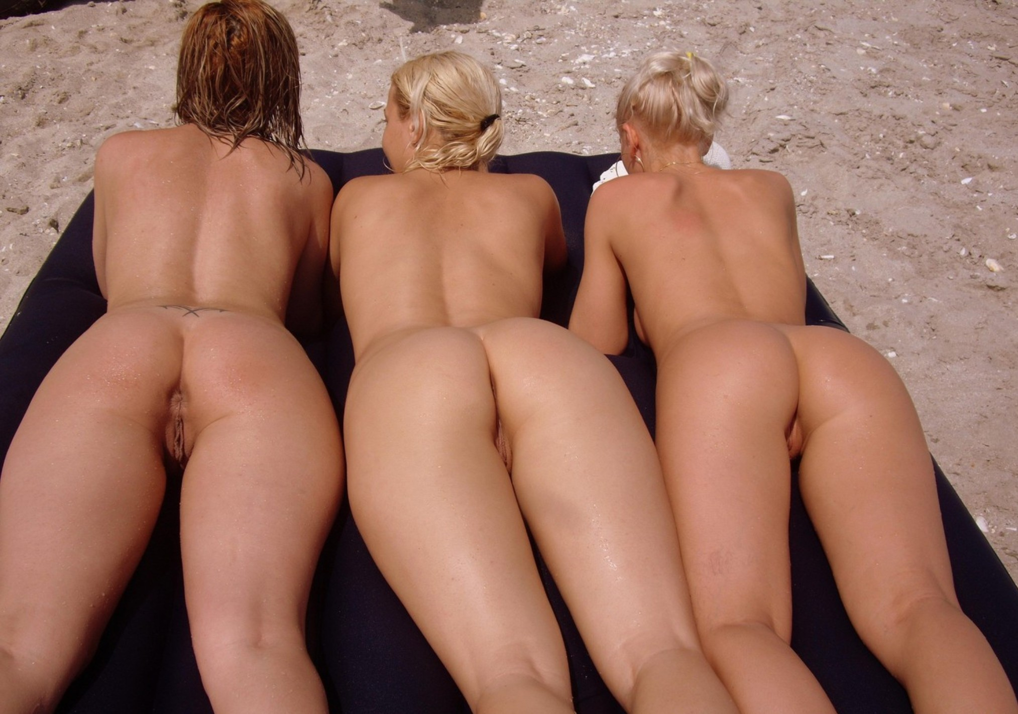 Three stunning girls showing their cracks