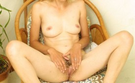 2Picture-Eastern-european-girl-has-something-special-to-show-you-tags-european-pussy.jpg