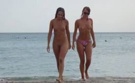 534-Sexy-girls-walking-out-of-the-water.jpg